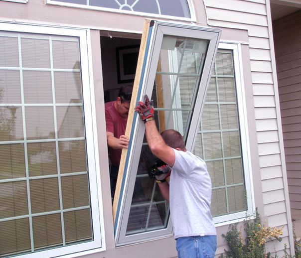 professional window expert installing new windows in Clayton DE 19938