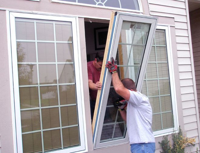 expert window company replacing clients windows in Abington PA 19001