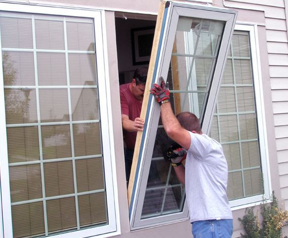 licensed window company replacing customers windows in Merchantville NJ 08109