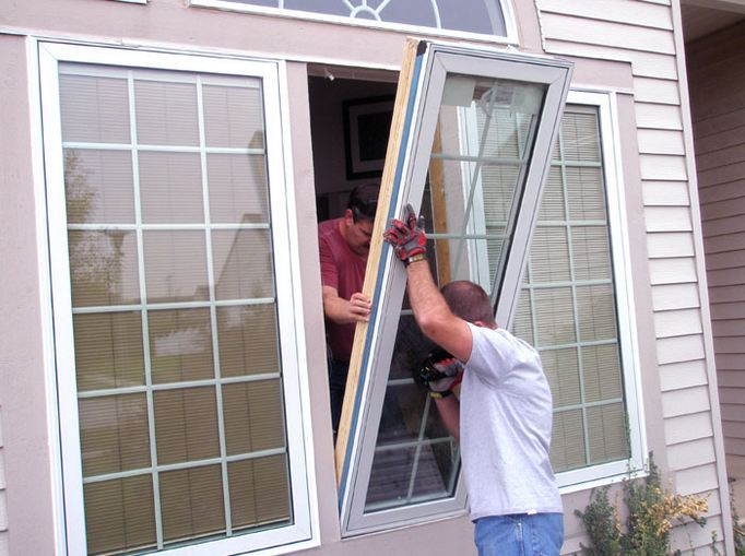 insured window company replacing windows near Bryn Athyn PA