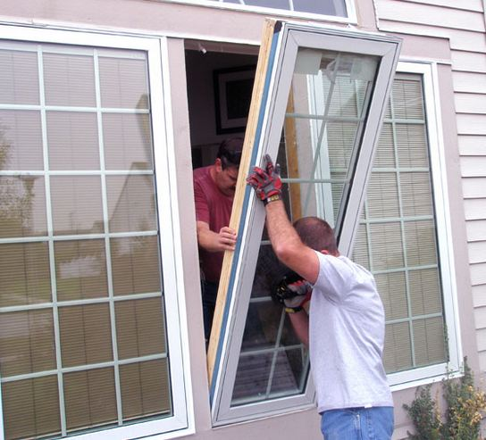 licensed window contractor installing customers windows in Kinzers PA 17535